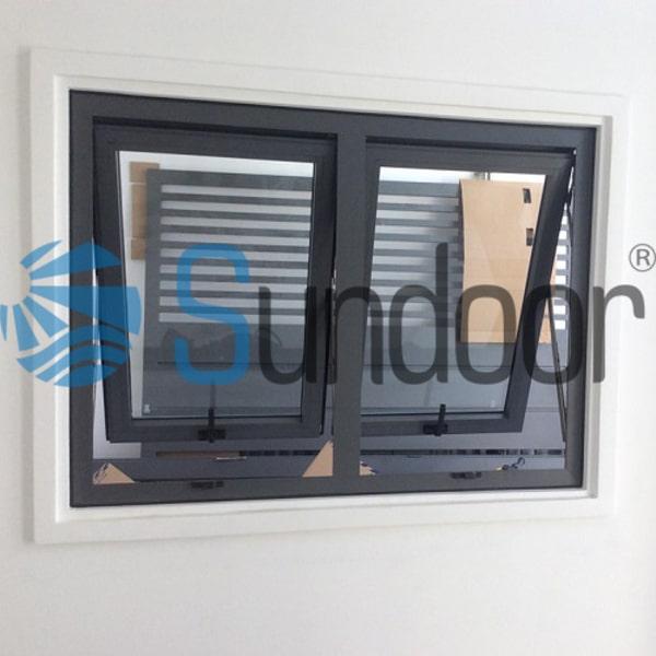 Cửa sổ mở hất nhôm Xingfa 2 cánh màu xám