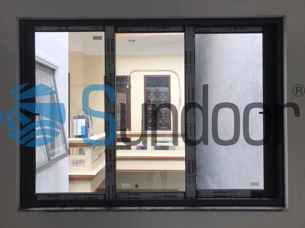 Cửa sổ nhôm Xingfa 3 cánh mở trượt lùa