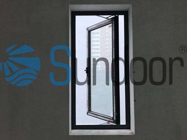 Cửa sổ mở quay 1 cánh nhôm màu đen