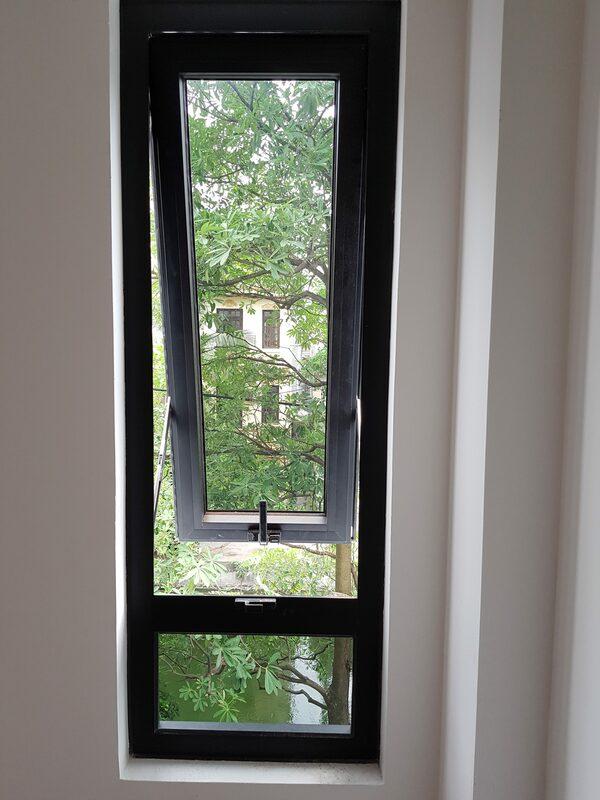 Cửa sổ mở hất 1 cánh Xingfa