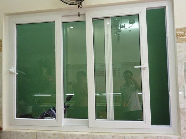 Cửa sổ mở trượt 3 cánh màu trắng sữa