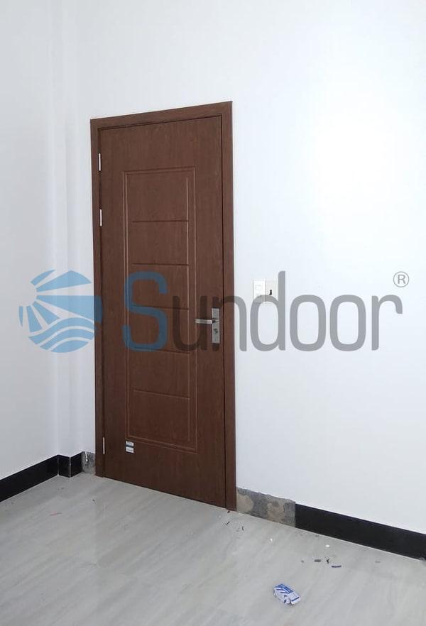 Cửa gỗ Composite Sundoor-12