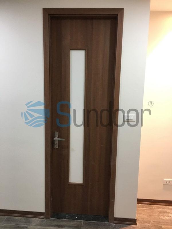 Cửa gỗ Composite Sundoor-25