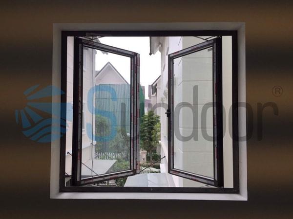 Cửa sổ mở quay 2 cánh Xingfa