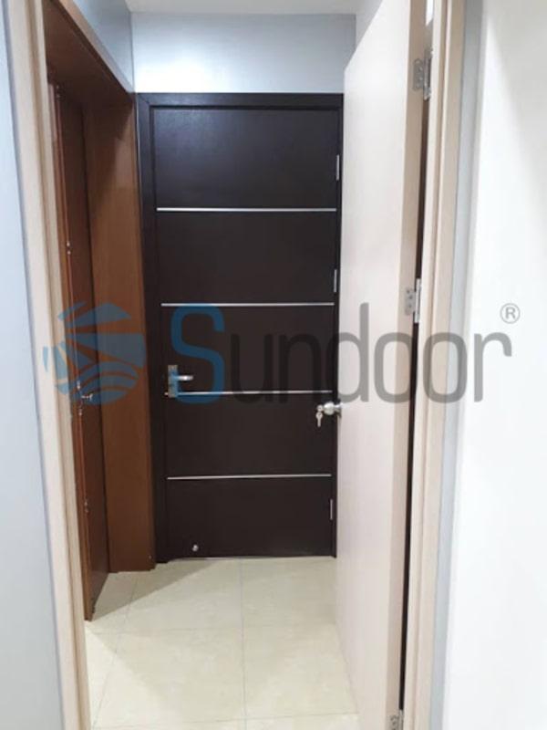 Cửa phòng ngủ gỗ Composite soi chỉ