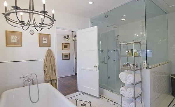 Giá cửa nhà vệ sinh nhựa gỗ