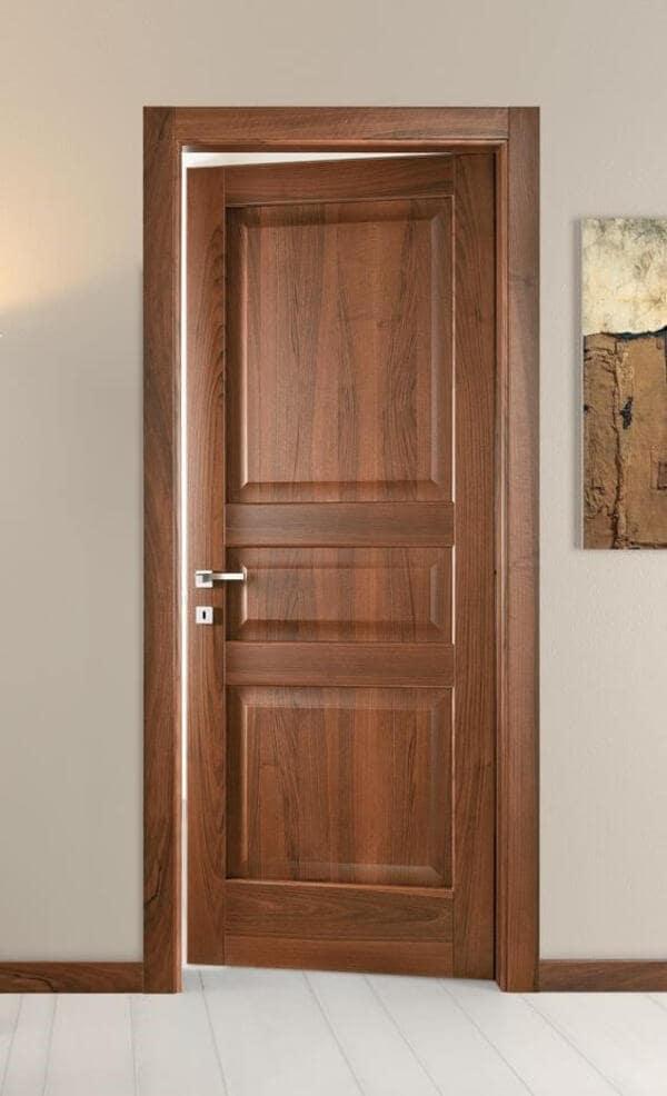 Mẫu cửa nhà vệ sinh làm bằng gỗ tự nhiên